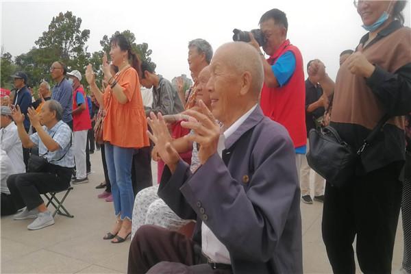 河南开封【黄手环行动】关爱阿尔茨海默病和易走失群体,营造和谐温馨的社区氛围